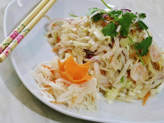 31. Fried rice noodles Pho with shrimp