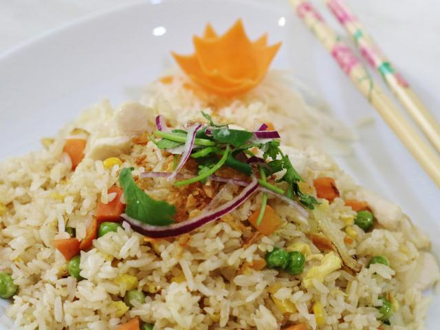 36. Fried rice with chicken