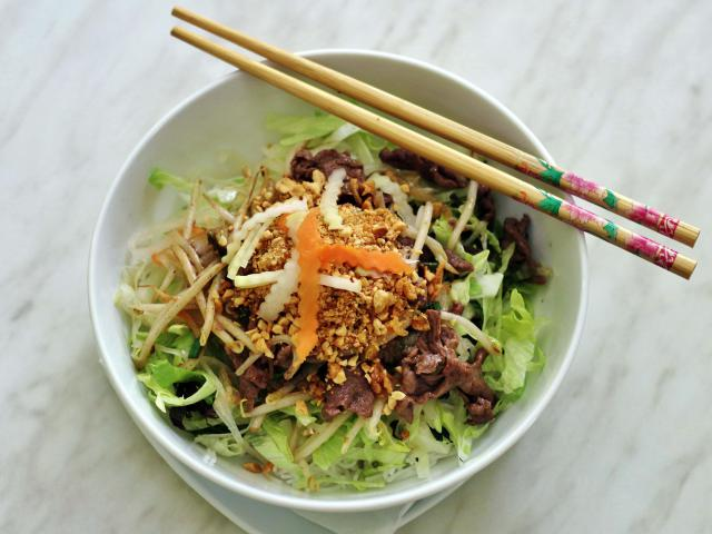 50. Sautéed beef with noodles and southern Vietnamese sauce