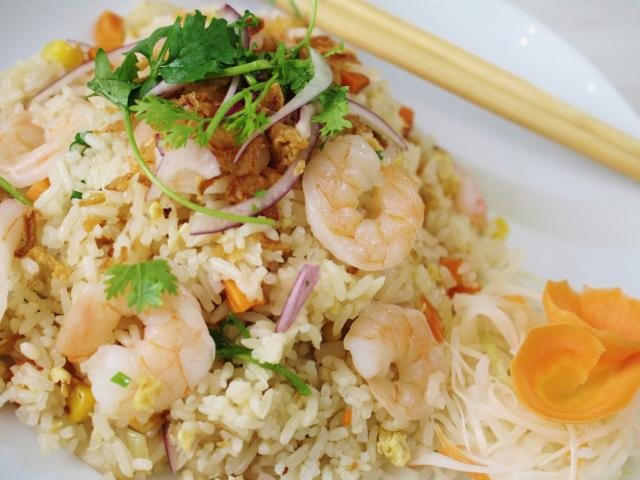 38. Fried rice with shrimp